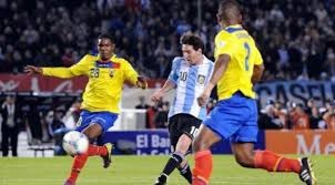 LABDARÚGÁS: Messi megmentette Argentínát