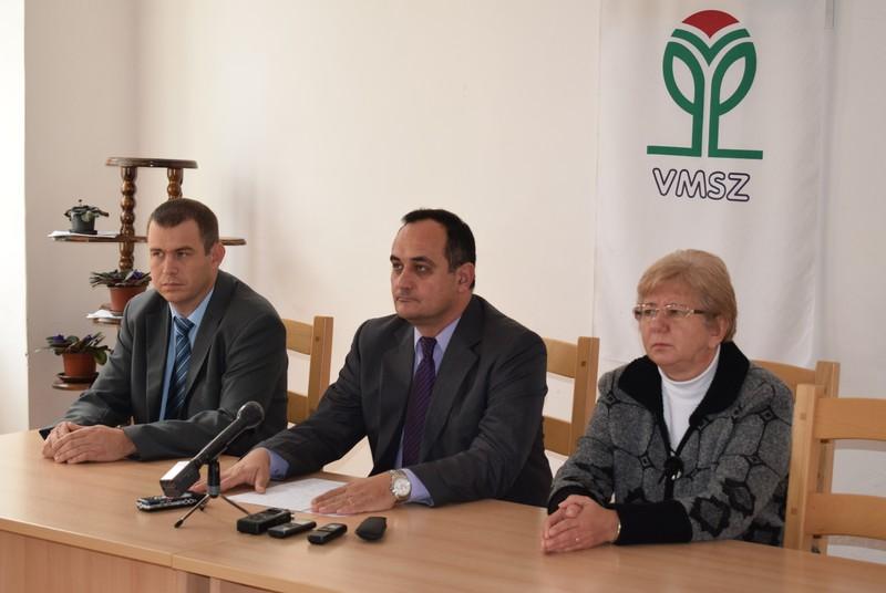Pósa Tamás, Lőrinc Csongor és Rácz Szabó Márta a sajtótájékoztatón