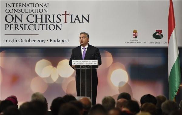 Orbán Viktor miniszterelnök köszöntőt mond a Válaszok keresése egy hosszú ideje elhallgatott válságra címmel rendezett kétnapos nemzetközi konferencián Budapesten