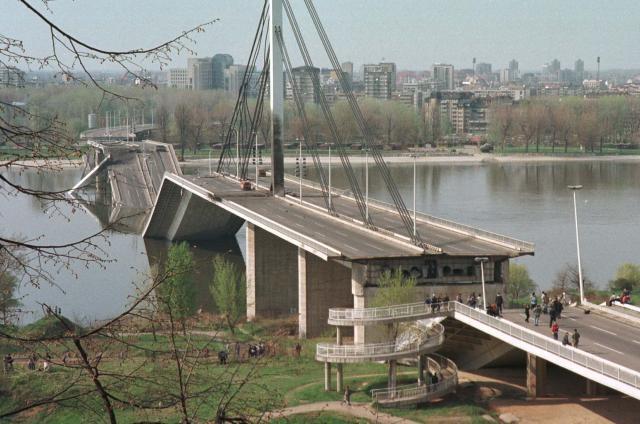 Kormánytámogatással vizsgálnák ki a Szerbia elleni NATO-légicsapások következményeit
