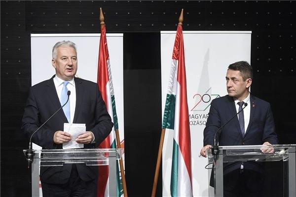 Diaszpóratanács: Folytatódnak a megkezdett programok, megvan az egymilliomodik új magyar állampolgár