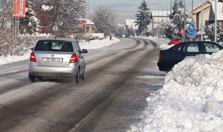 Bosznia-Hercegovinában havazott, Montenegróban az eső miatt adtak ki fokozott riasztást