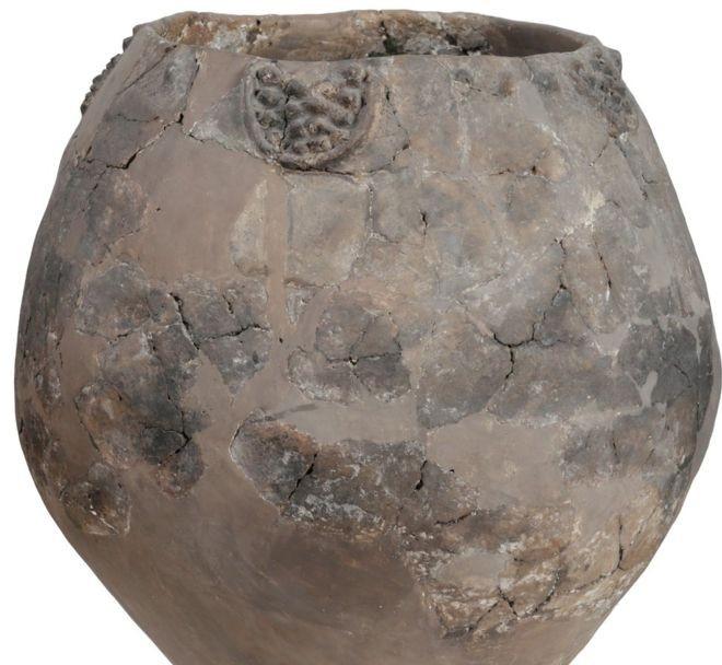 """Nyolcezer éves edényekben találták meg """"a világ legrégibb borának"""" nyomait"""