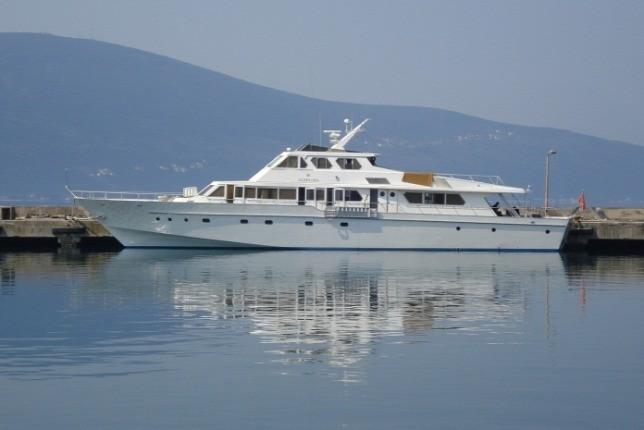 Elárverezik Tito yachtját