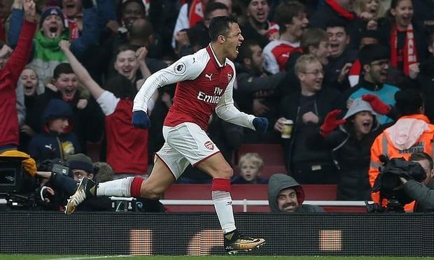 LABDARÚGÁS: Az Arsenal nyerte a londoni rangadót