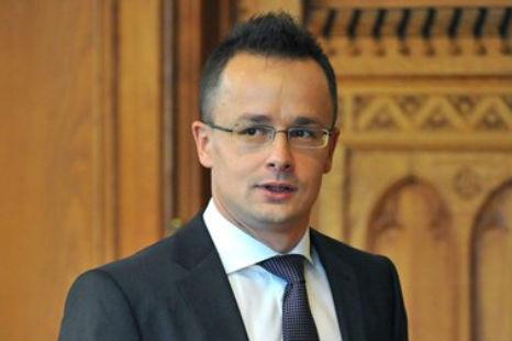Szijjártó: Ukrajna  az új oktatási törvényével megsértette a NATO-val szembeni kötelezettségeit