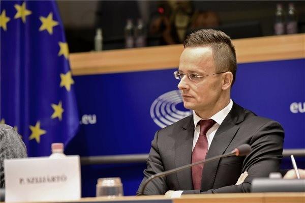 Szijjártó Brüsszelben: A magyar kormány elutasítja a kvótákat, és harcolni fog a magyar érdekekért