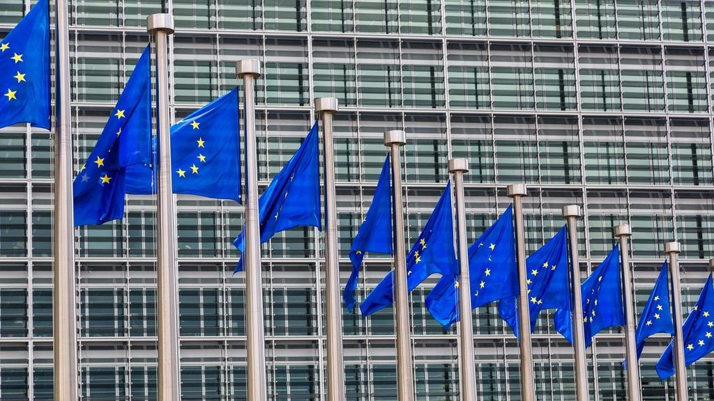 Nézőpont: A közép-európaiak fele elégedetlen Brüsszellel