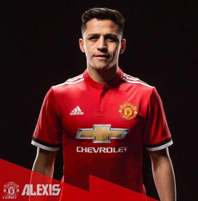 LABDARÚGÁS: Alexis Sánchez a Manchester Unitedben folytatja