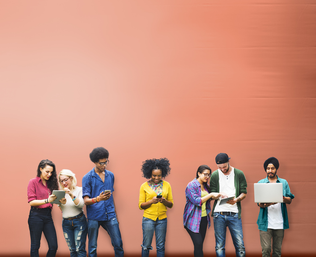 Boldogtalanok a képernyőfüggő tizenévesek
