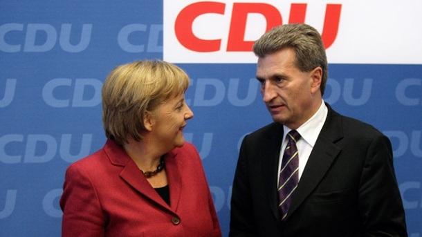 Angela Merkel és Günther Oettinger