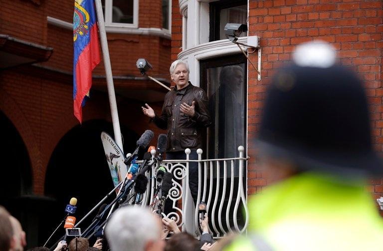 Elutasították Assange fellebbezését, érvényben marad a brit letartóztatási parancs