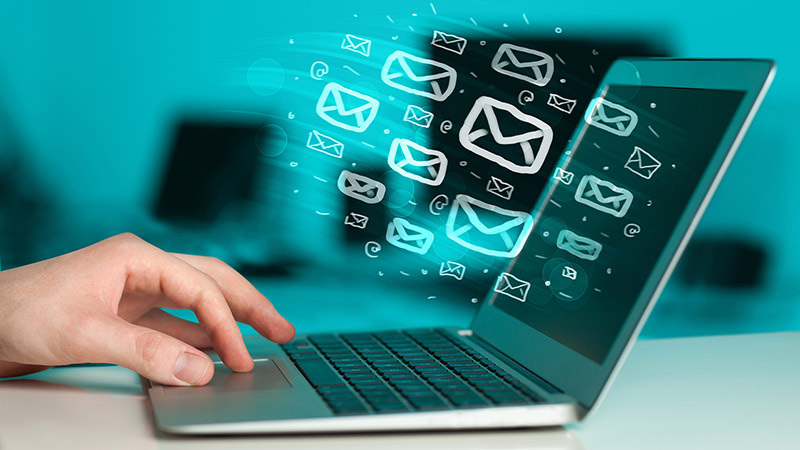 E-mail címlistát vegyenek!: Hatalmas felhasználói adatbázisok forognak a (fekete)piacon